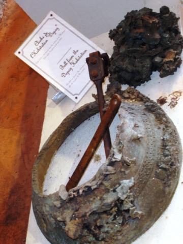 Cloche brûlée à Saint - Pierre
